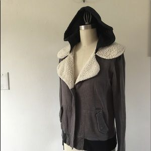 Volcom Cropped Hooded Jacket Size Small Petite 10